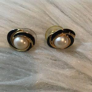 Vintage 90s Gold Tone Black Enamel Pearl Earring